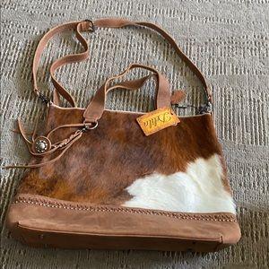 Delila leather bag